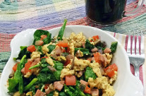Fast Day Meal Plan | Eggs With Scrambled Spinach and Tomatoes